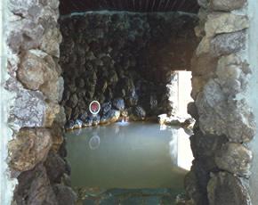 源泉洞窟風呂